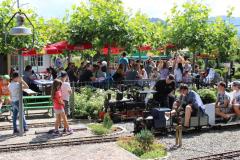 Gemütliche Atmosphäre in der schönsten Gartenwirtschaft von Einsiedeln