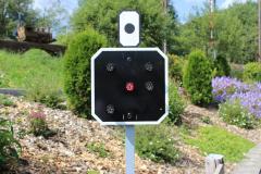 "Kombiniertes-Vor-/Hauptsignal zeigt den Fahrbefehl rot ""Halt"""